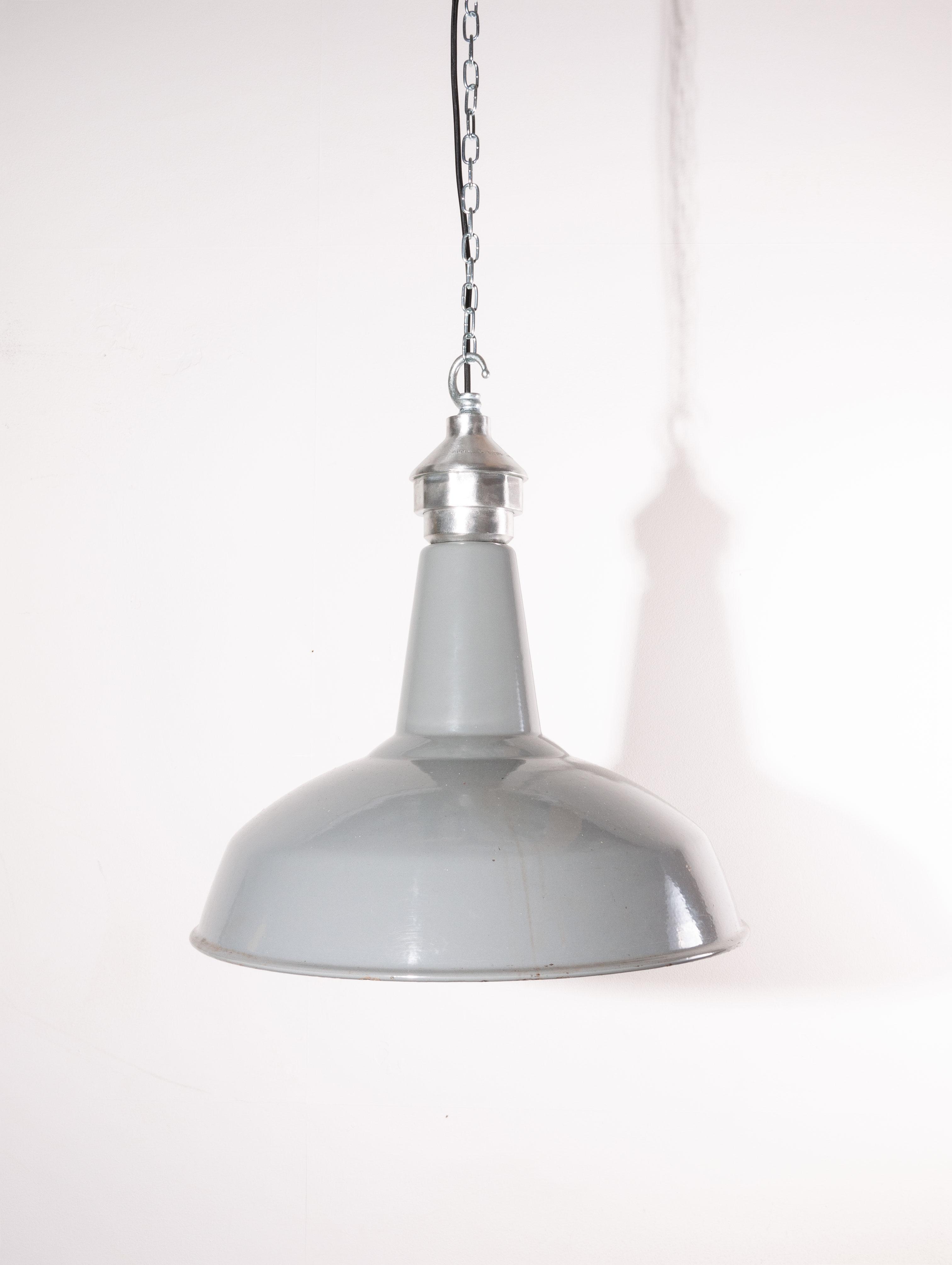 1950 S Large Benjamin Enamelled Hanging Ceiling Pendant Lamps Lights